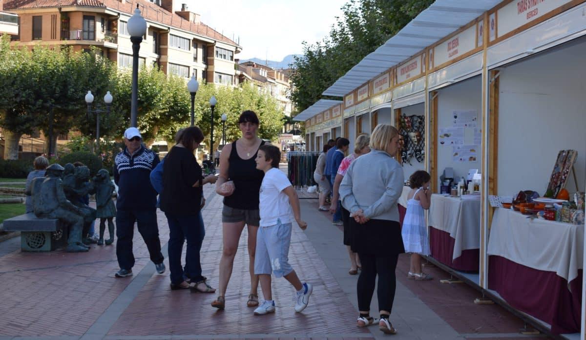Inaugurada en Haro la Feria de Artesanía Artística y Agroalimentaria Riojana 3