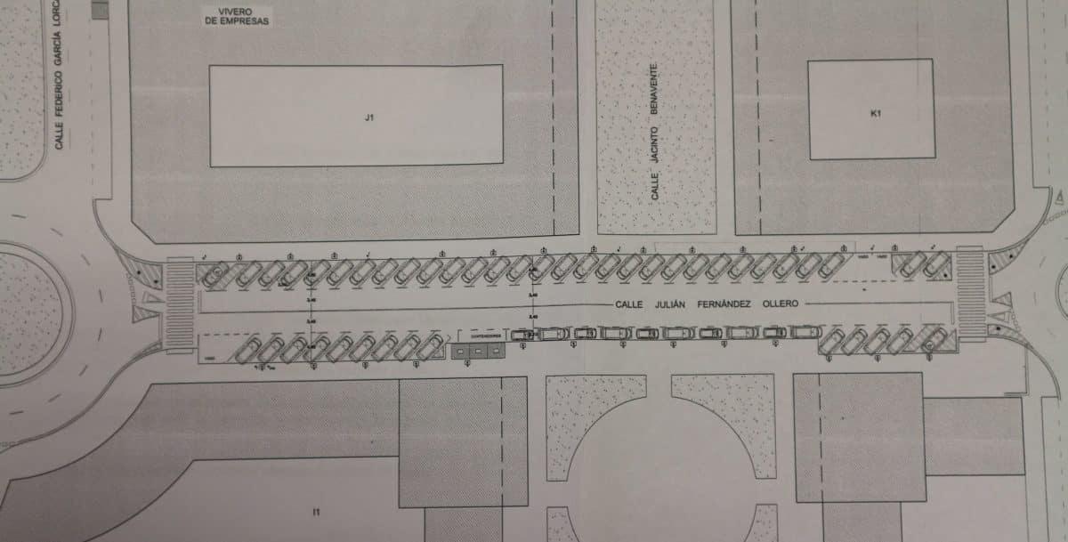 La calle Julián Fernández Ollero en El Mazo contará con más de 40 plazas de aparcamiento en diagonal marcha atrás 1