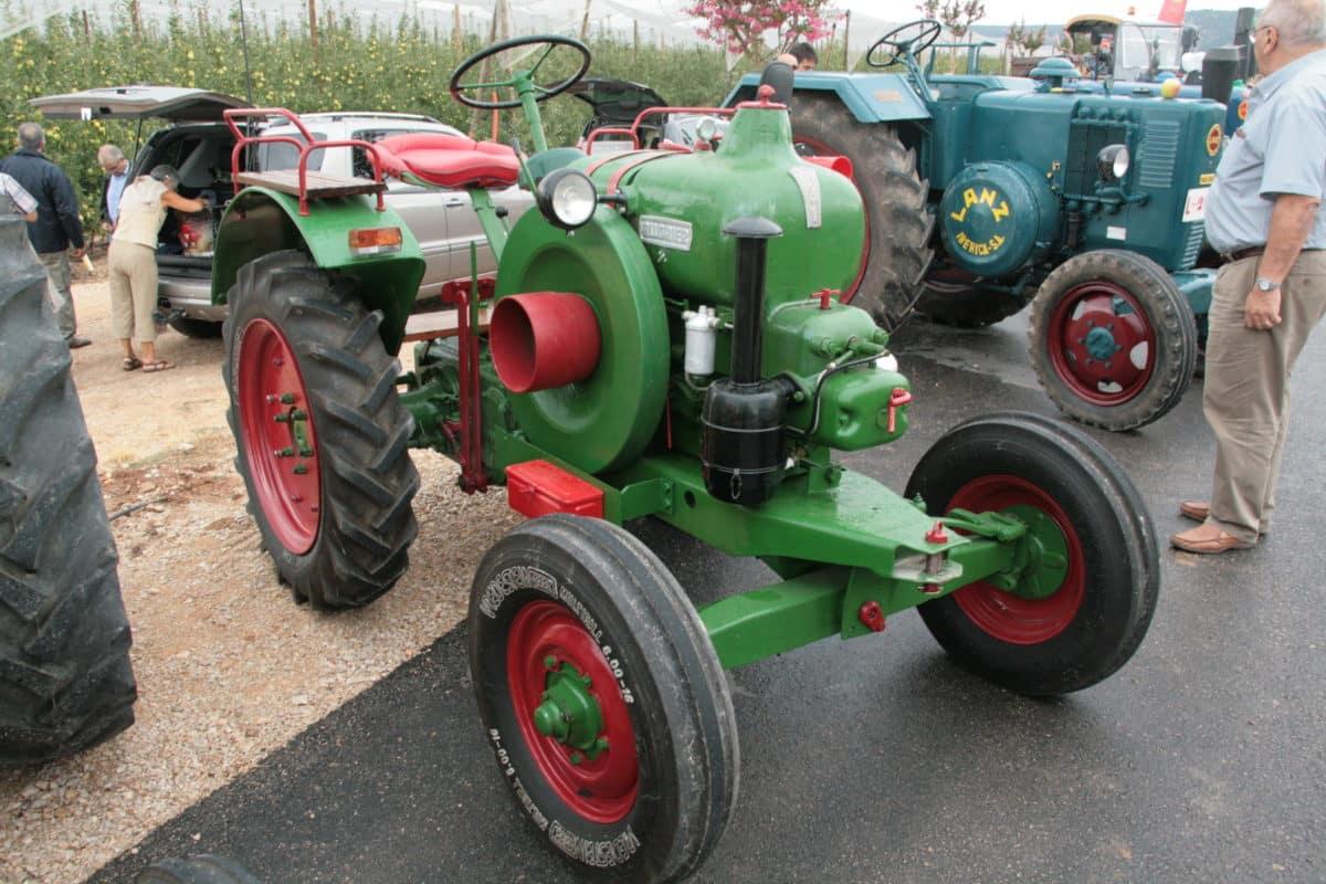 La caravana de tractores clásicos llega este martes a Haro 1