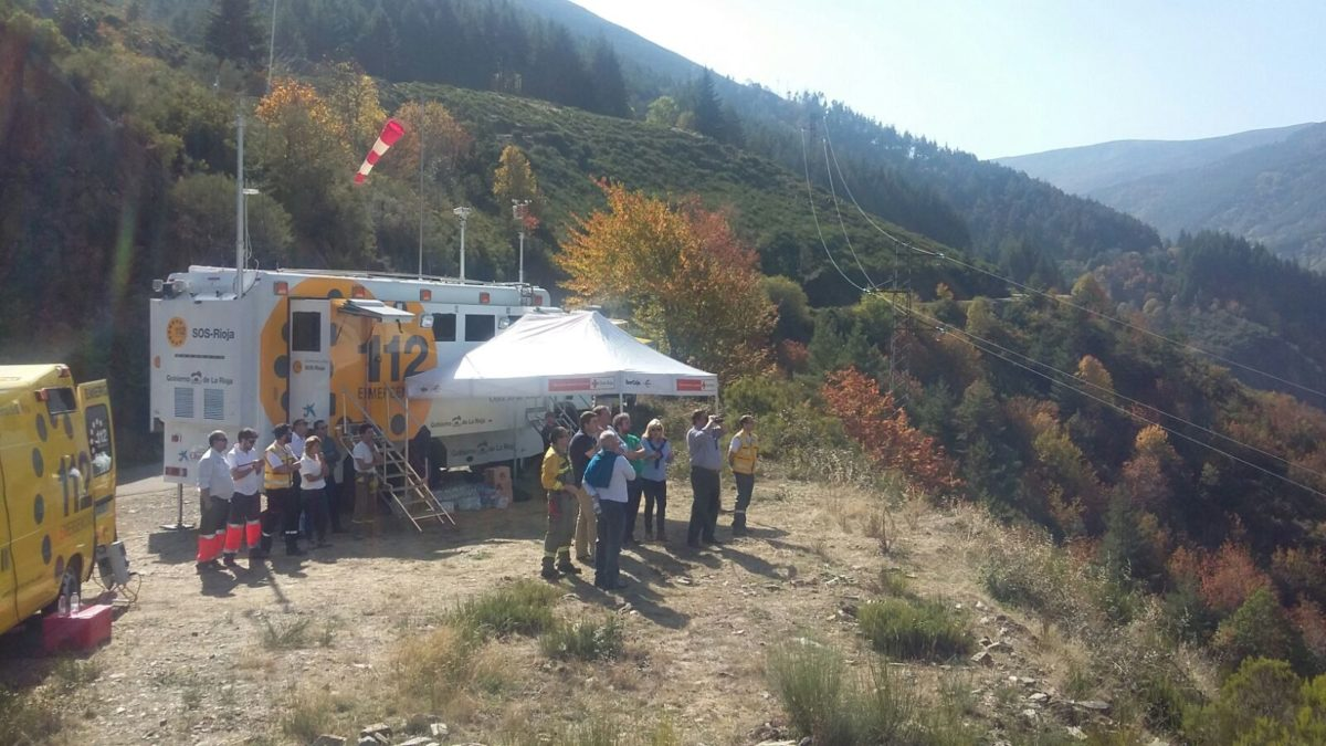 Continúan las labores de extinción del incendio de la aldea de Posadas en Ezcaray 3