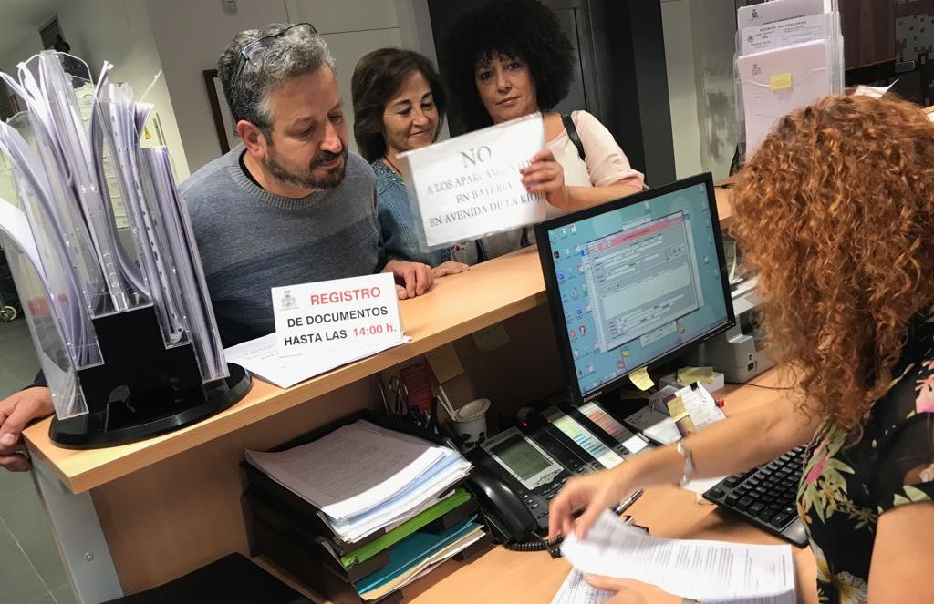 """Solicitan al Ayuntamiento de Haro que los aparcamientos en la avenida de La Rioja vuelvan a """"su estado inicial"""" 1"""