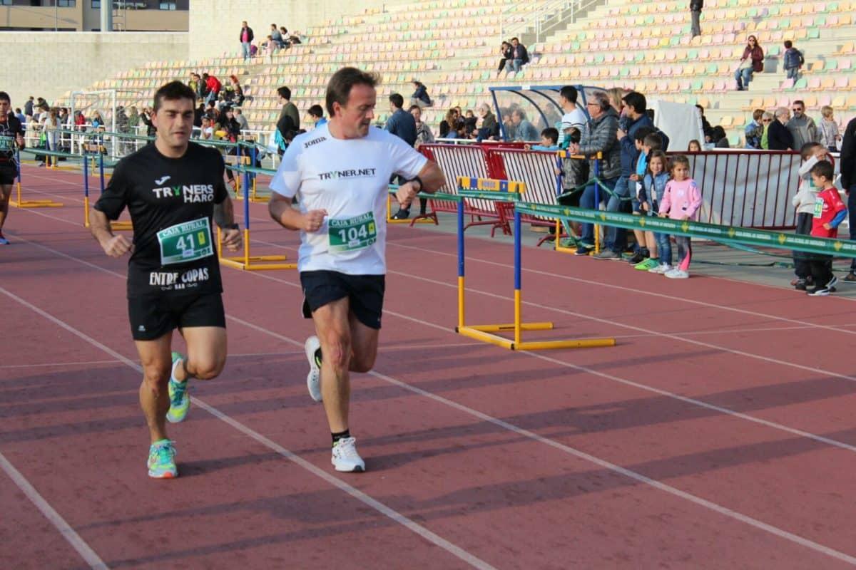 Unos 300 corredores disputan la séptima edición de las Carreras de la Vendimia 18
