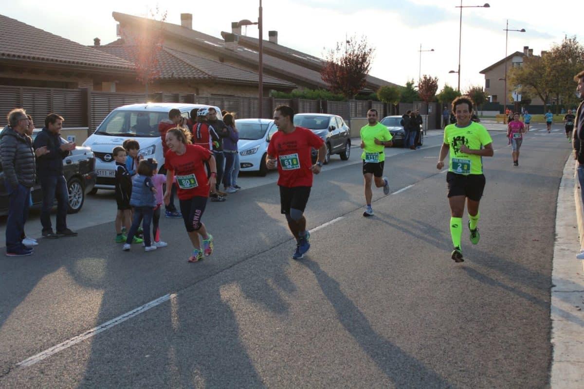 Unos 300 corredores disputan la séptima edición de las Carreras de la Vendimia 15
