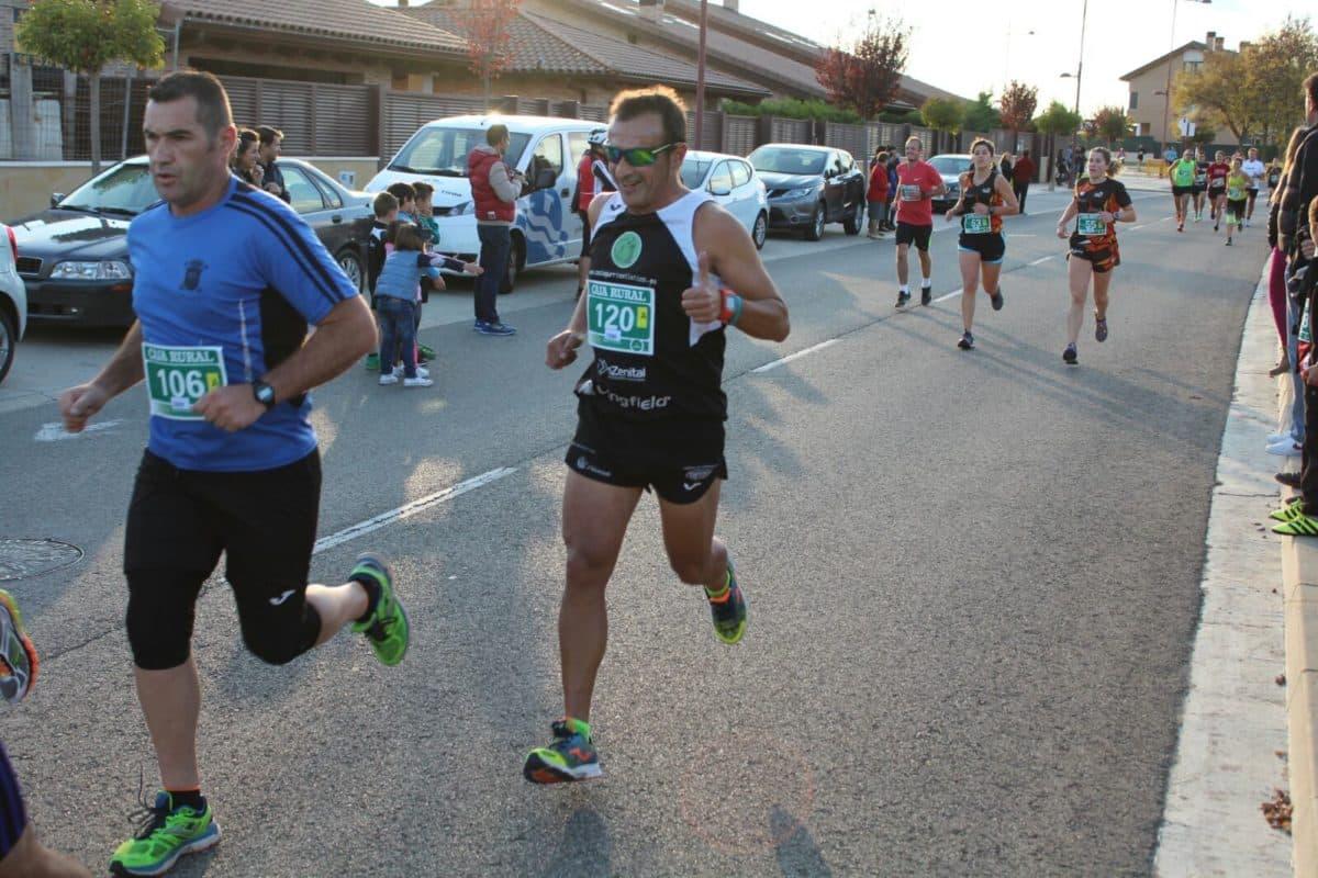 Unos 300 corredores disputan la séptima edición de las Carreras de la Vendimia 16