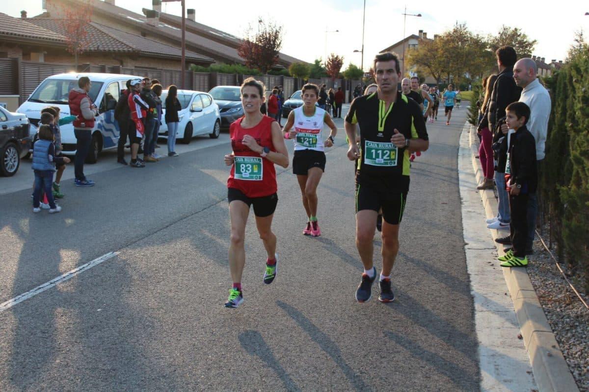 Unos 300 corredores disputan la séptima edición de las Carreras de la Vendimia 17