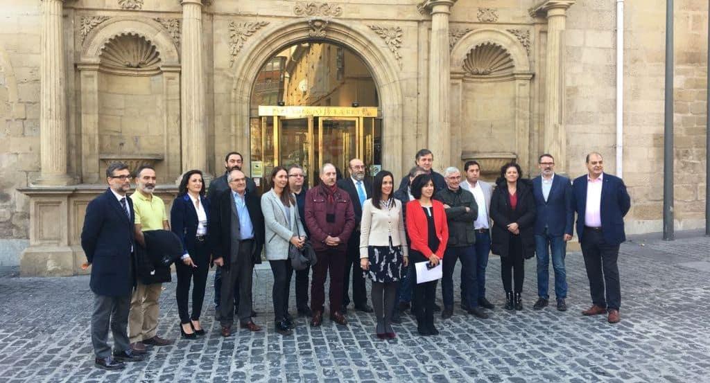 Apoyo unánime del Parlamento riojano a la ILP en defensa del paisaje del viñedo de Haro 2