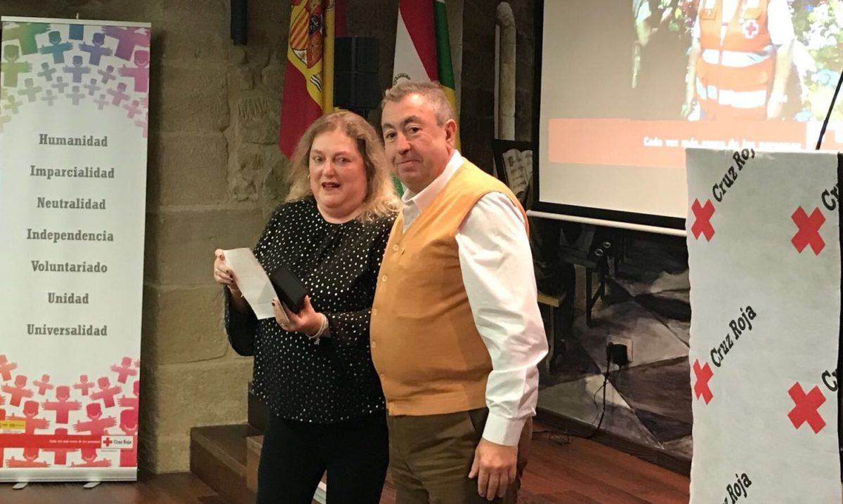 Cruz Roja reconoce la labor de Bodegas Valenciso, Inmaculada Carreiras y Fermín Aceña 2