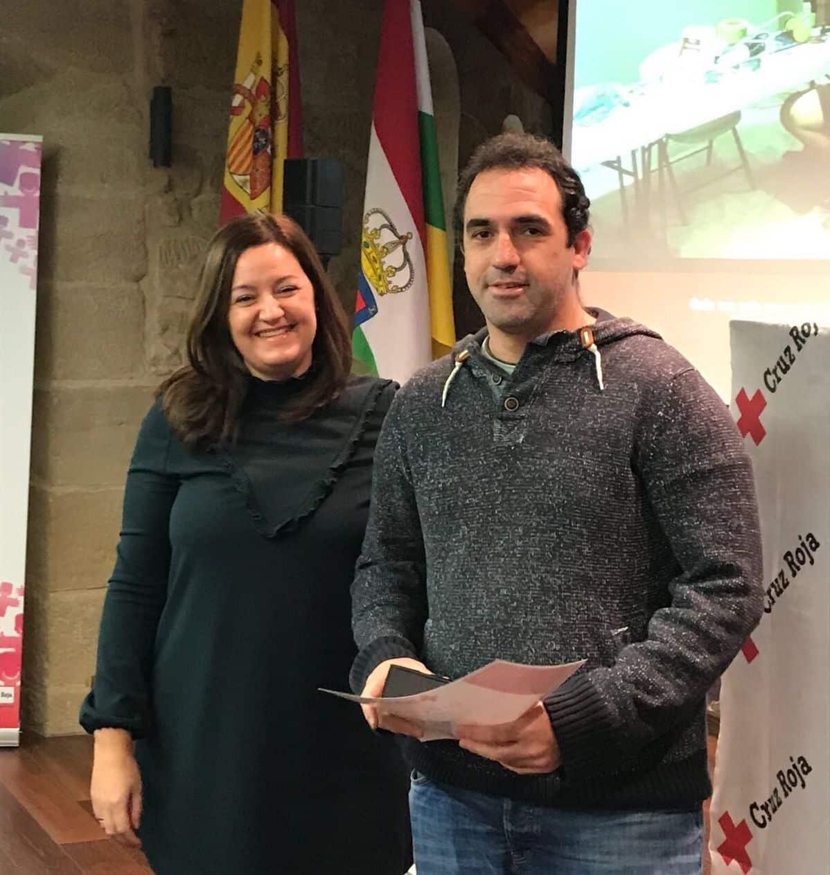 Cruz Roja reconoce la labor de Bodegas Valenciso, Inmaculada Carreiras y Fermín Aceña 4