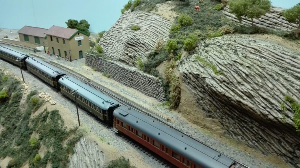 El puente sobre el río Tirón en Haro, una de las novedades de la exposición de la Asociación de Amigos del Ferrocarril 1