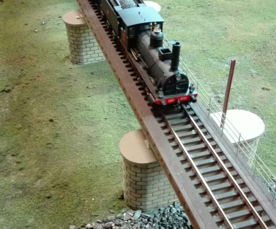 El puente sobre el río Tirón en Haro, una de las novedades de la exposición de la Asociación de Amigos del Ferrocarril 2