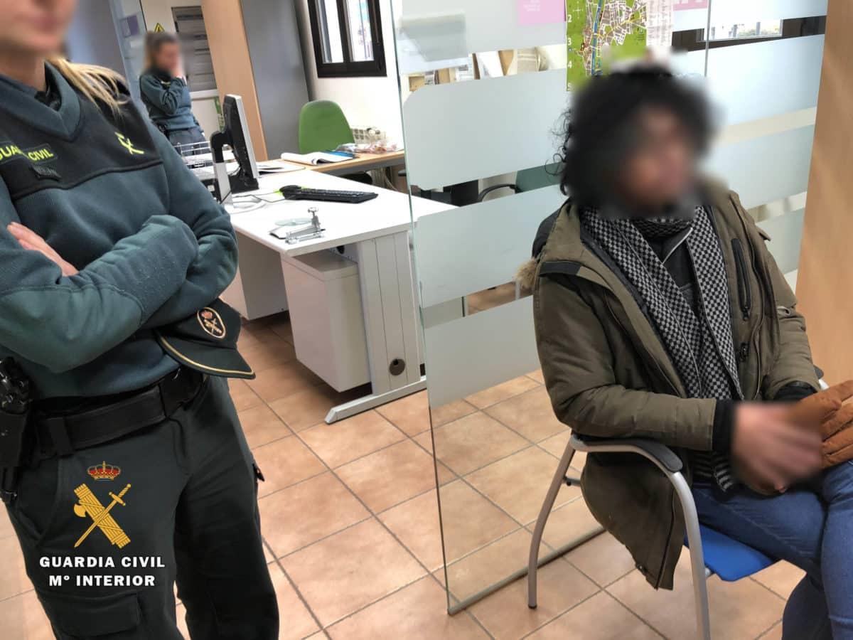 La Guardia Civil detiene en Nájera a un cuidador de personas mayores que se hacía pasar por médico 1