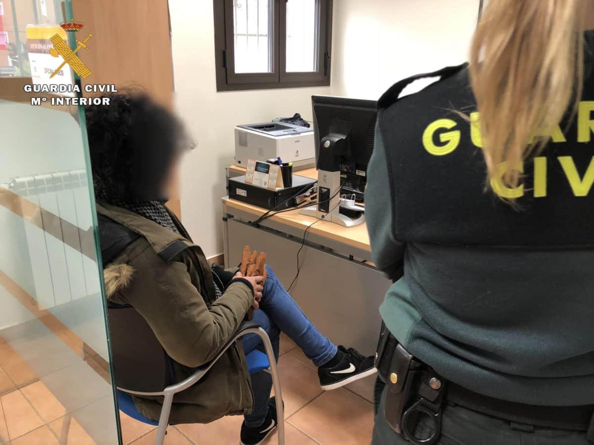 La Guardia Civil detiene en Nájera a un cuidador de personas mayores que se hacía pasar por médico 2