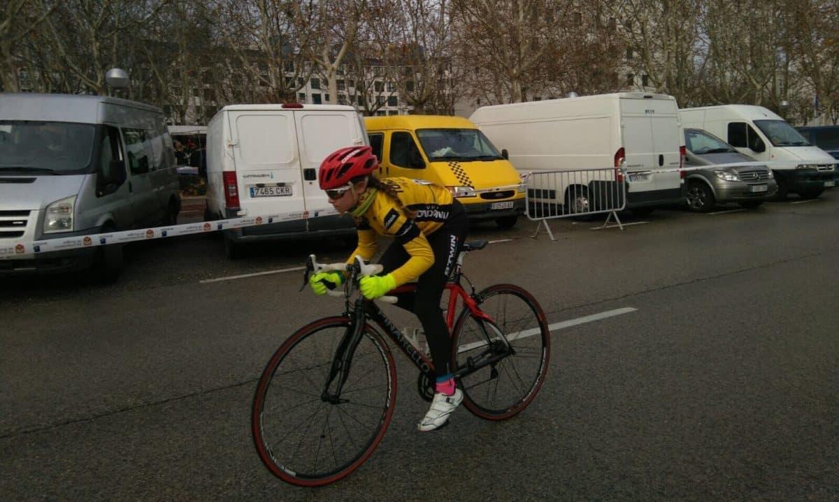 La jarrera María López, tercera en la Carrera del Pavo de Burgos 7