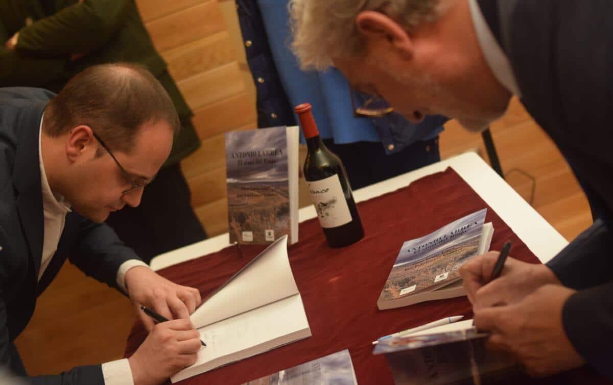 Antonio Larrea, puente entre el pasado y el futuro del Rioja 13
