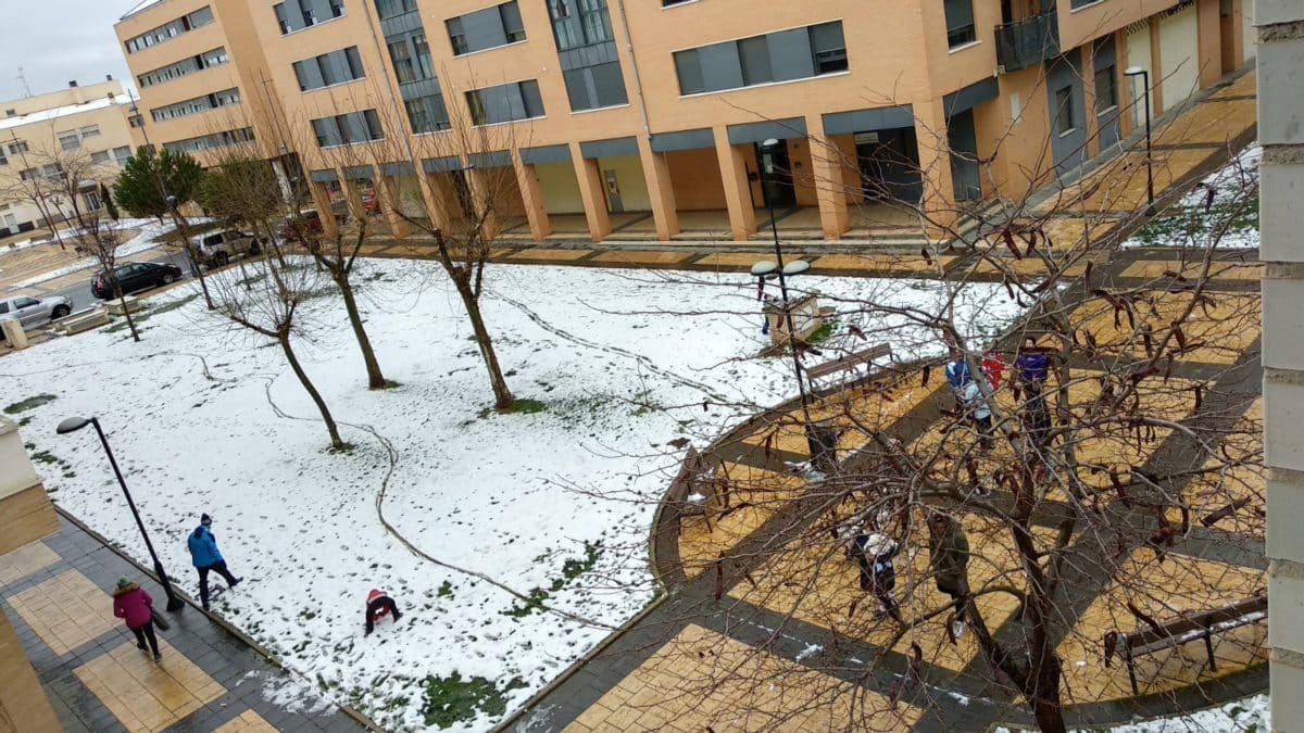 Estampas de la nevada en la Rioja Alta: paisajes vestidos de blanco para despedir la Navidad 9