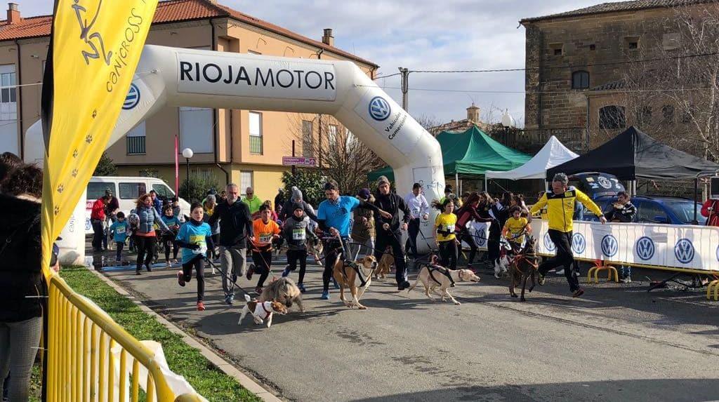 Más de un centenar de participantes reunió el Canicross Villa de Casalarreina 14