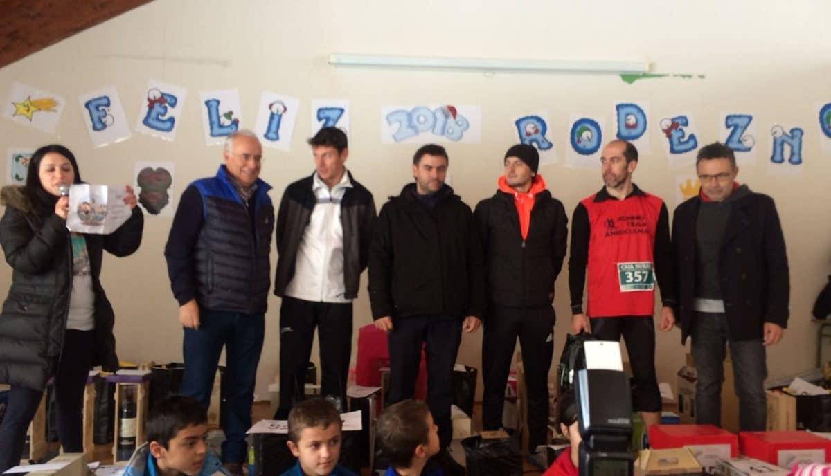 Unos 400 corredores desafían a la nieve y el frío para correr contra el cáncer infantil en Rodezno 9