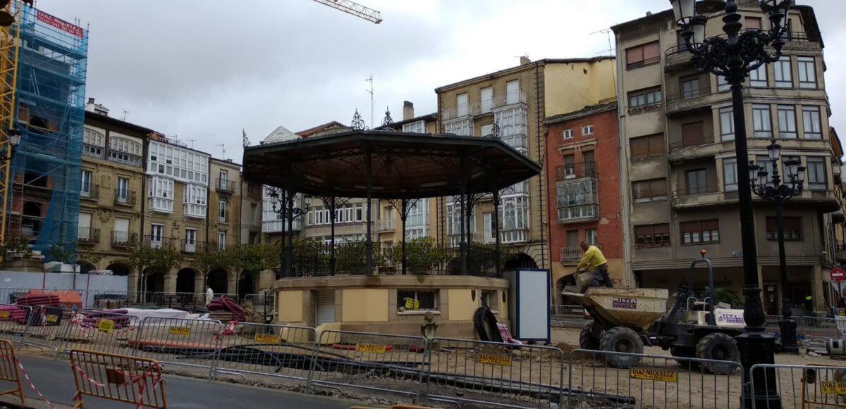 ACCIRA convoca una movilización en respuesta a los retrasos de las obras de la plaza de la Paz 1