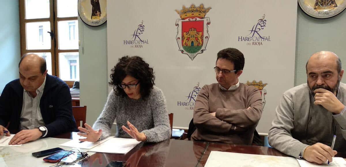 Rivado firma un decreto de Alcaldía para intentar poner remedio a los retrasos en las obras de la plaza de la Paz 1