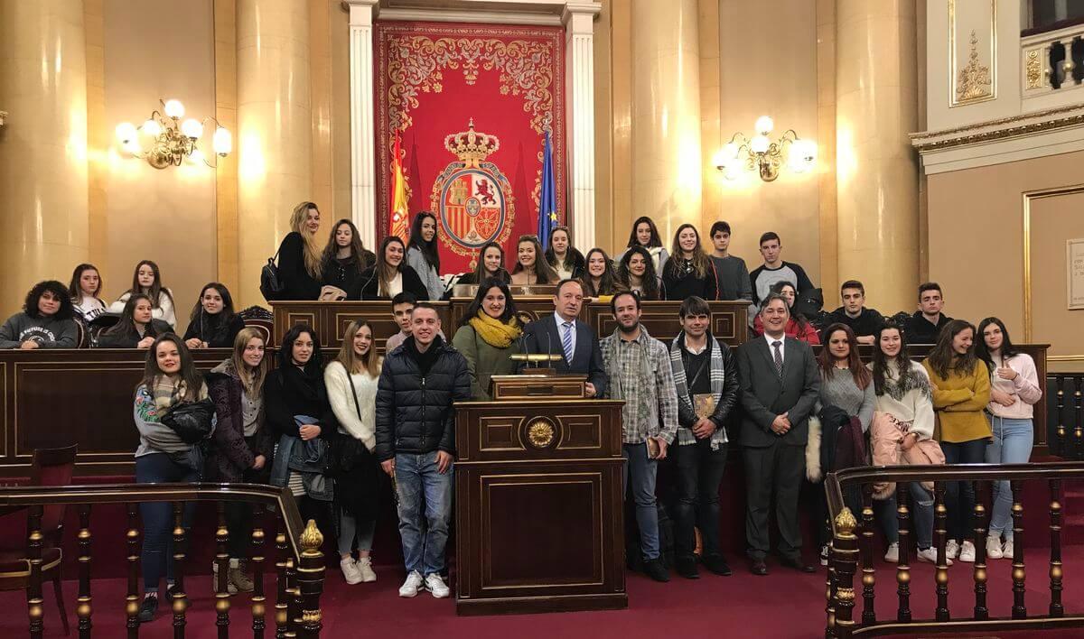Alumnos del IES Ciudad de Haro visitan el Senado 1
