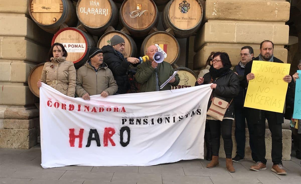 Cientos de personas se manifiestan en Haro y Nájera por unas pensiones dignas 2