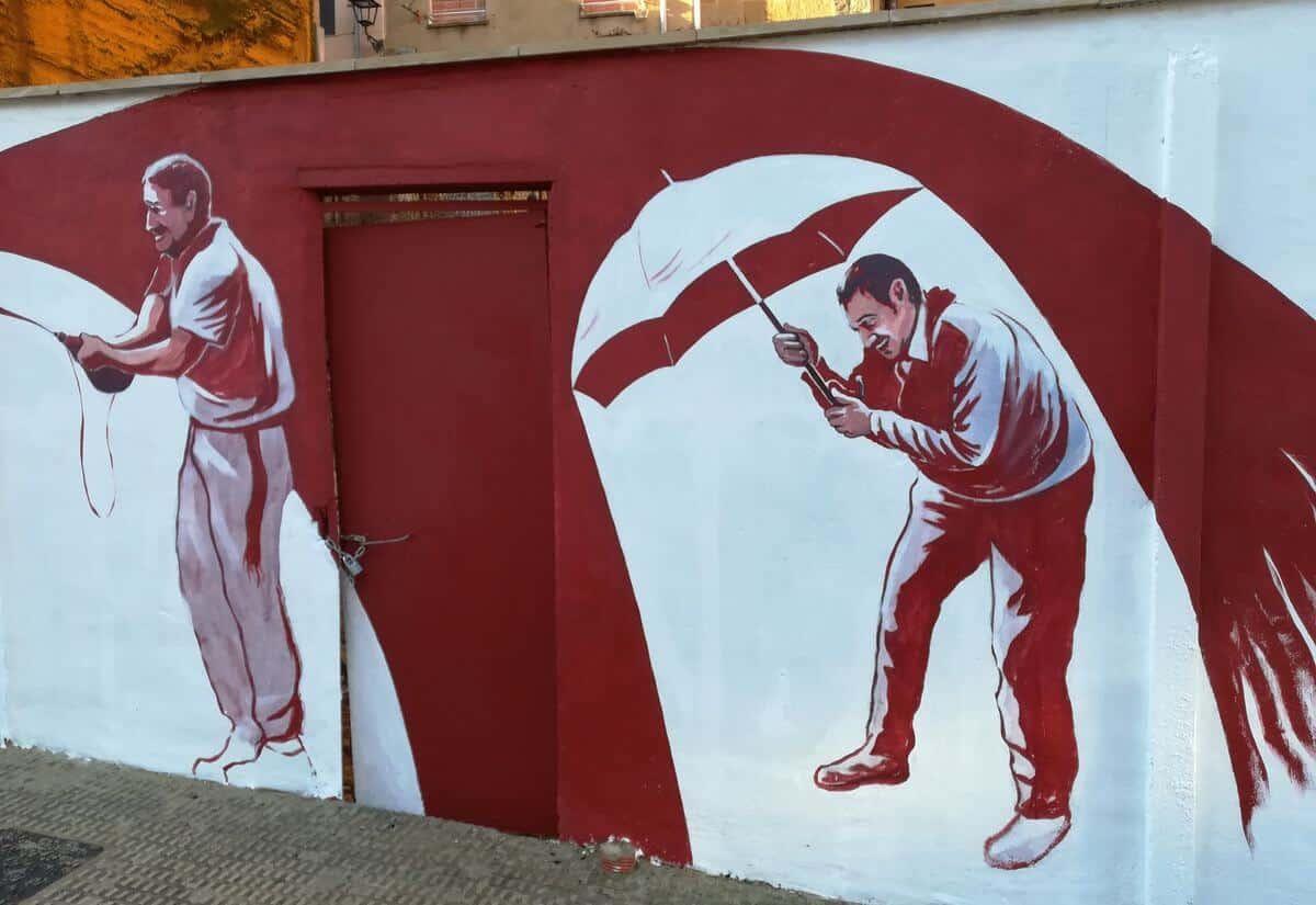 El homenaje de José Uríszar a la Batalla del Vino en la calle Navarra 2