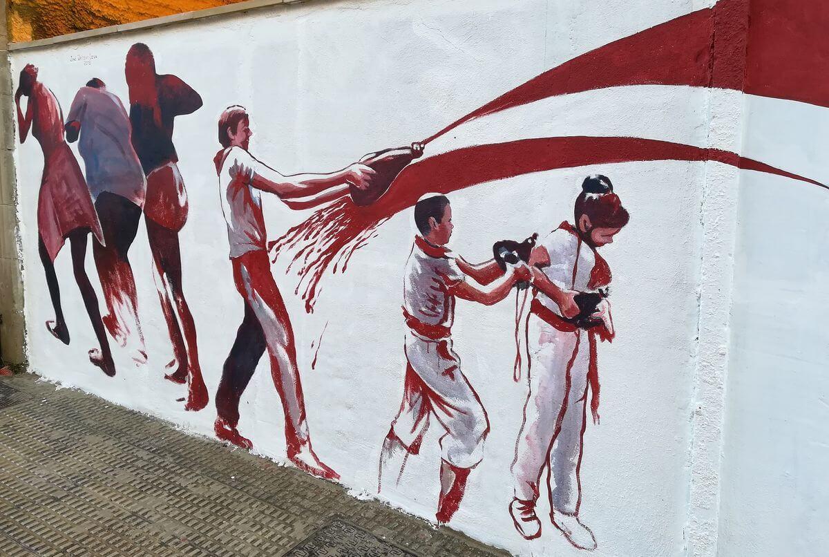 El homenaje de José Uríszar a la Batalla del Vino en la calle Navarra 3