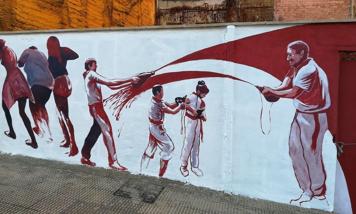 El homenaje de José Uríszar a la Batalla del Vino en la calle Navarra 4