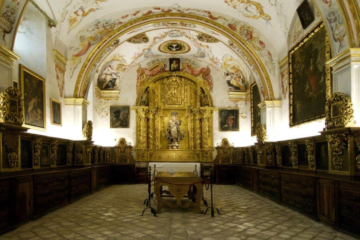Imagen de la bella sacristía de Yuso | Foto: Josu Bilbao Fullaondo