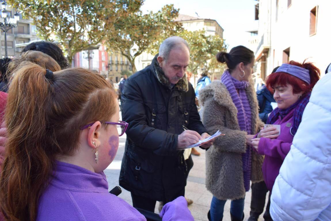 Las imágenes de la concentración en Haro con motivo del Día Internacional de la Mujer 10