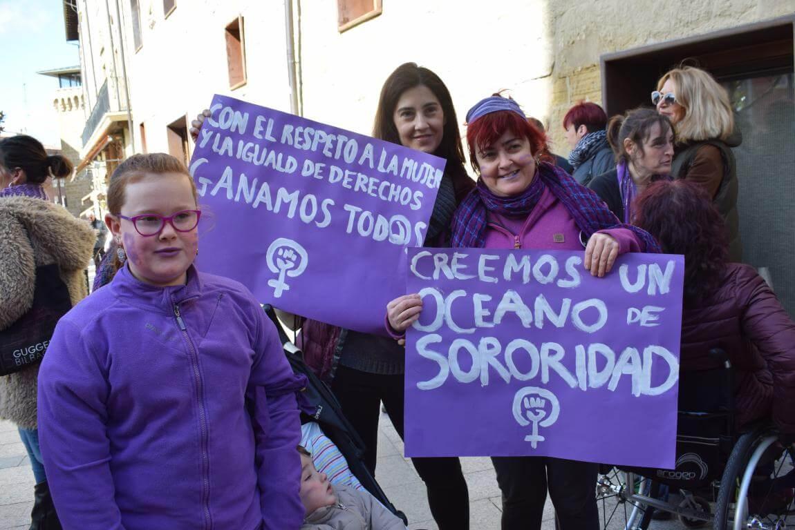 Las imágenes de la concentración en Haro con motivo del Día Internacional de la Mujer 12