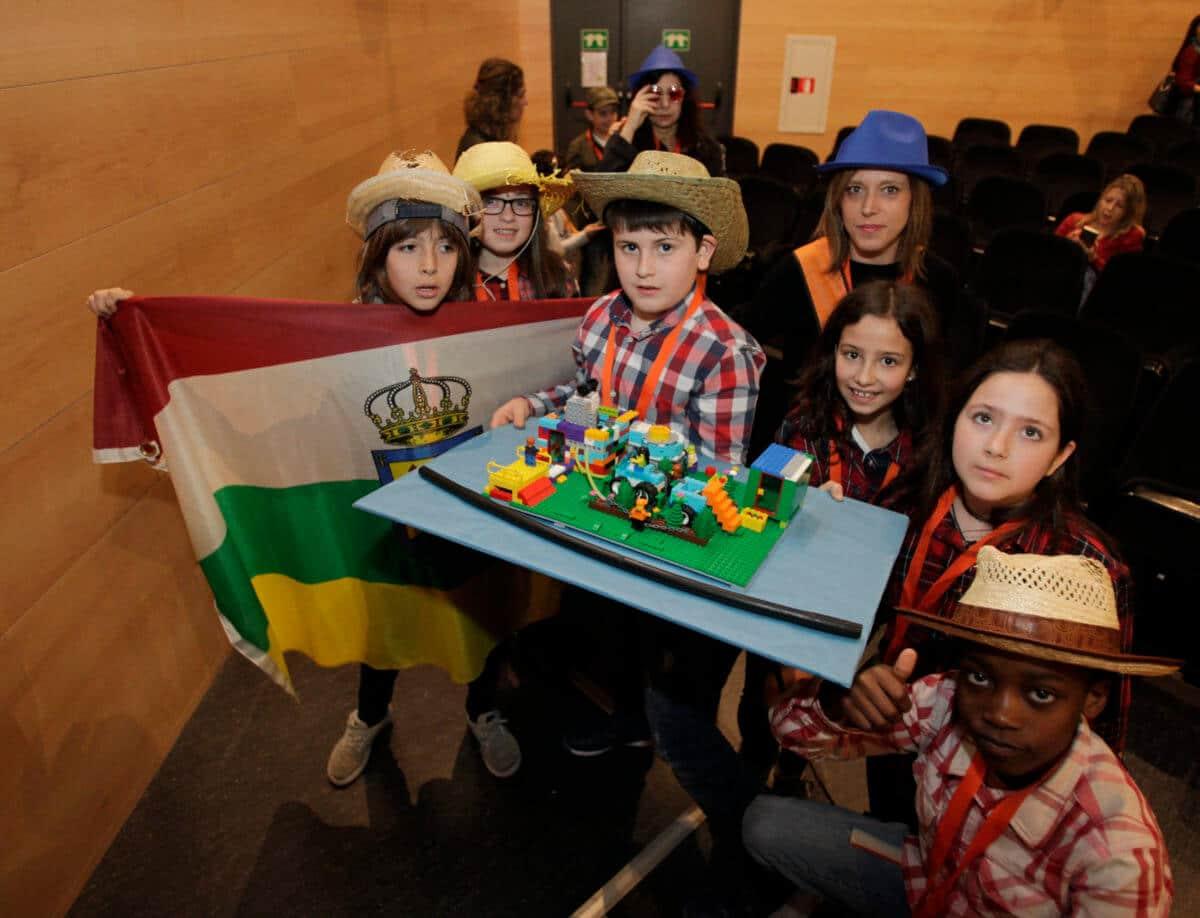 Premio para los Los Acuáticos del colegio San Lorenzo de Ezcaray en la Gran Final FIRST LEGO League España 13