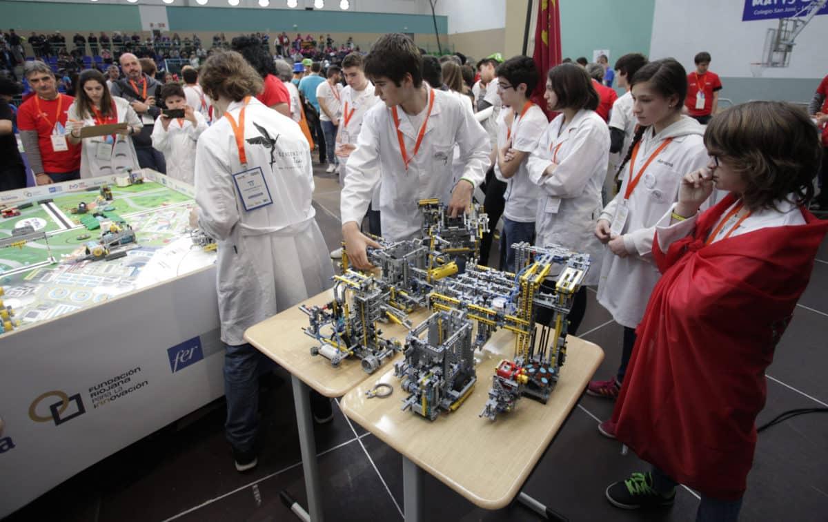 Premio para los Los Acuáticos del colegio San Lorenzo de Ezcaray en la Gran Final FIRST LEGO League España 23