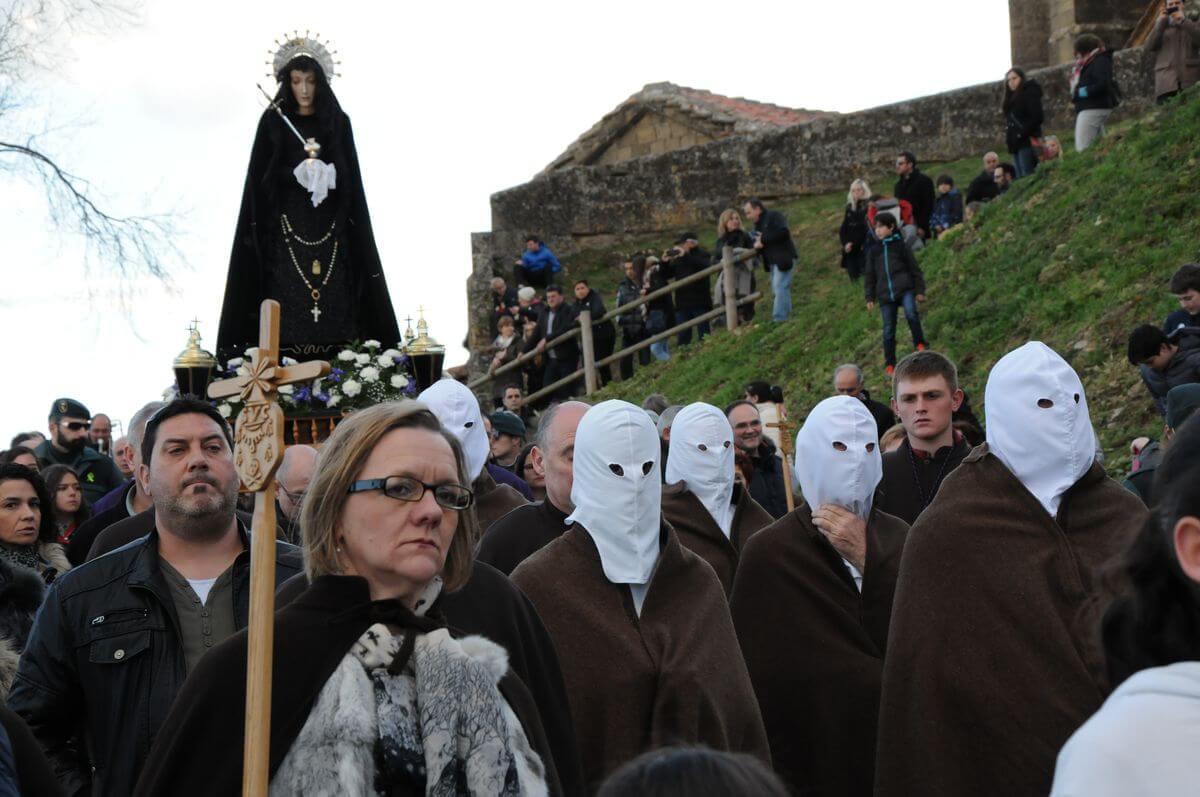 Los 'Picaos' en la procesión de la Santa Cena de San Vicente de la Sonsierra 3