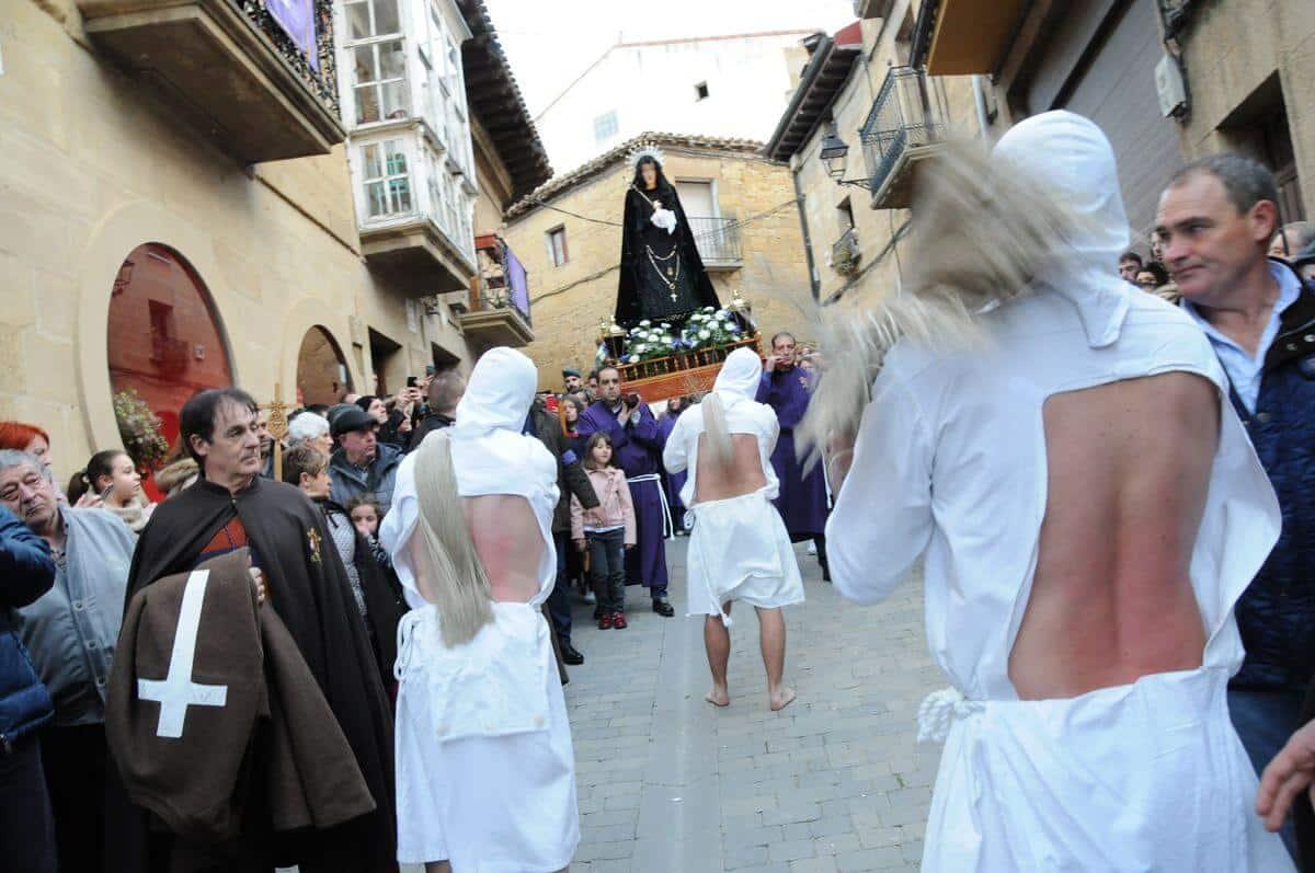 Los 'Picaos' en la procesión de la Santa Cena de San Vicente de la Sonsierra 6