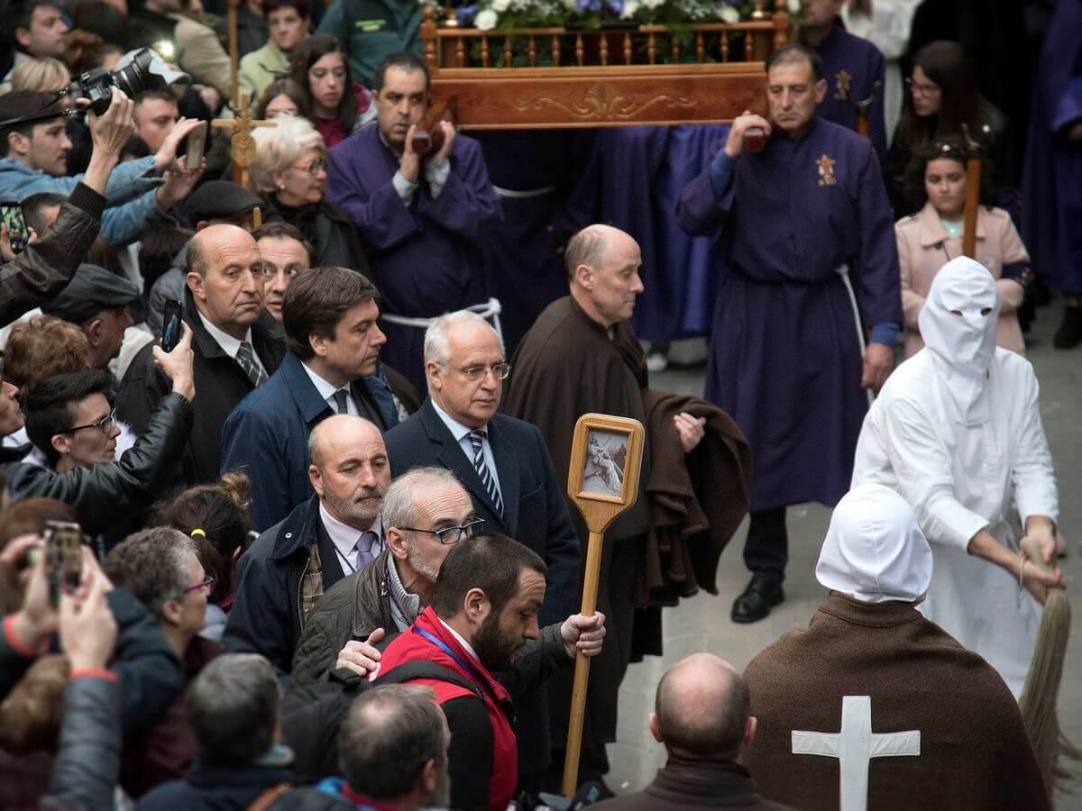 Los 'Picaos' en la procesión de la Santa Cena de San Vicente de la Sonsierra 7