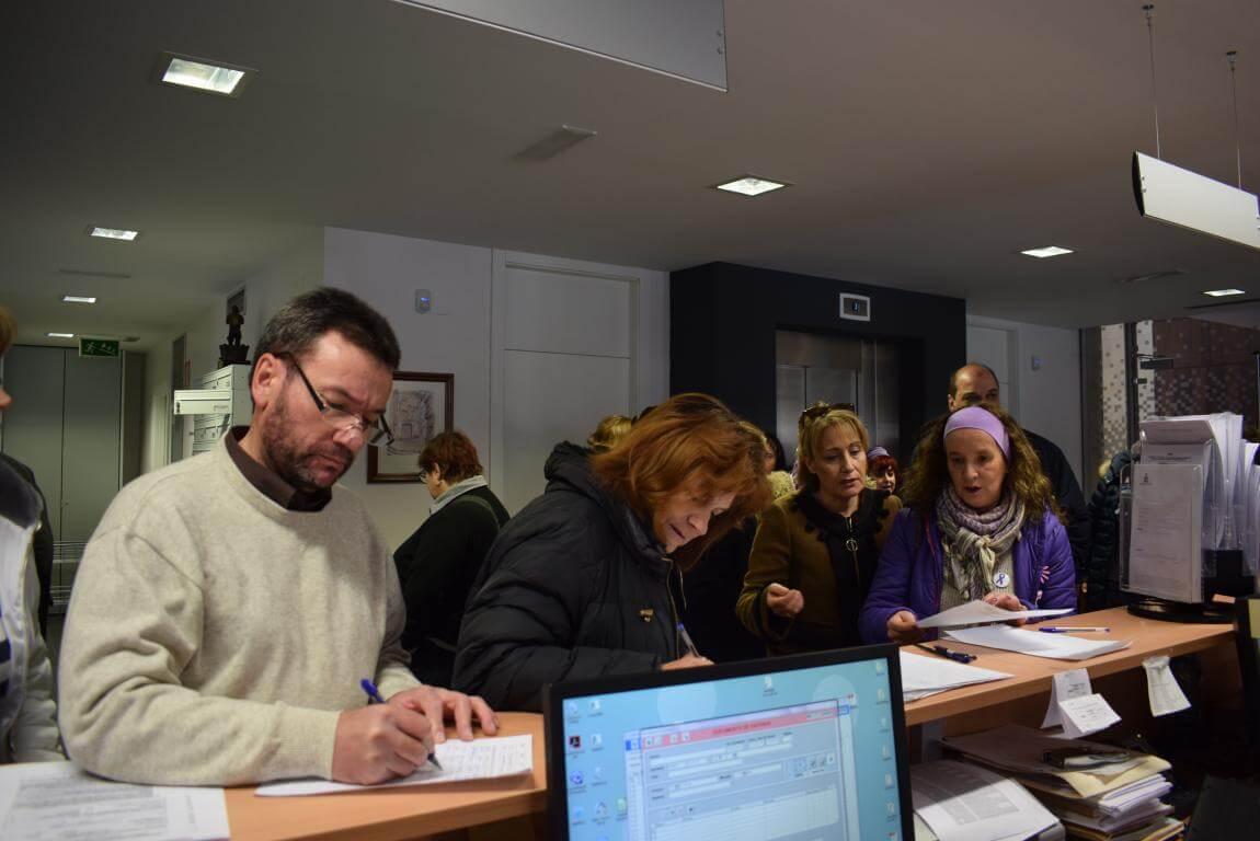 """Mujeres de Haro presentan 250 firmas en el Ayuntamiento """"para que se oiga su voz"""" 3"""
