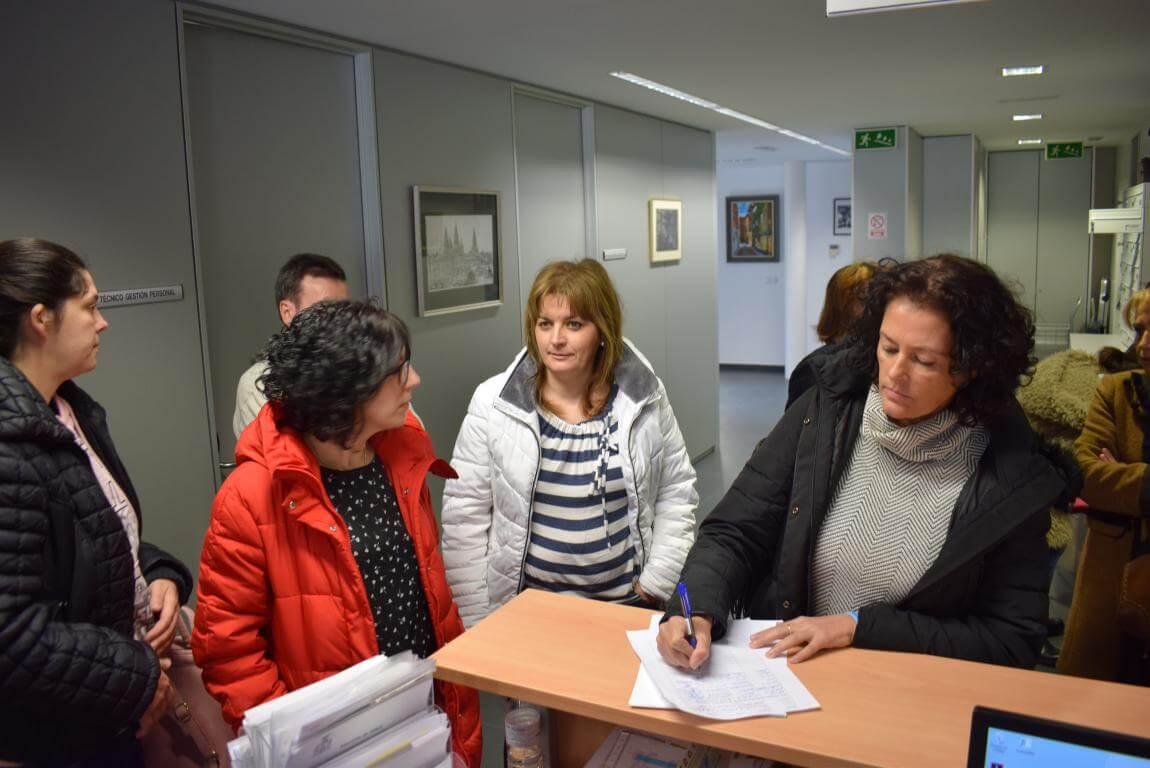 """Mujeres de Haro presentan 250 firmas en el Ayuntamiento """"para que se oiga su voz"""" 5"""