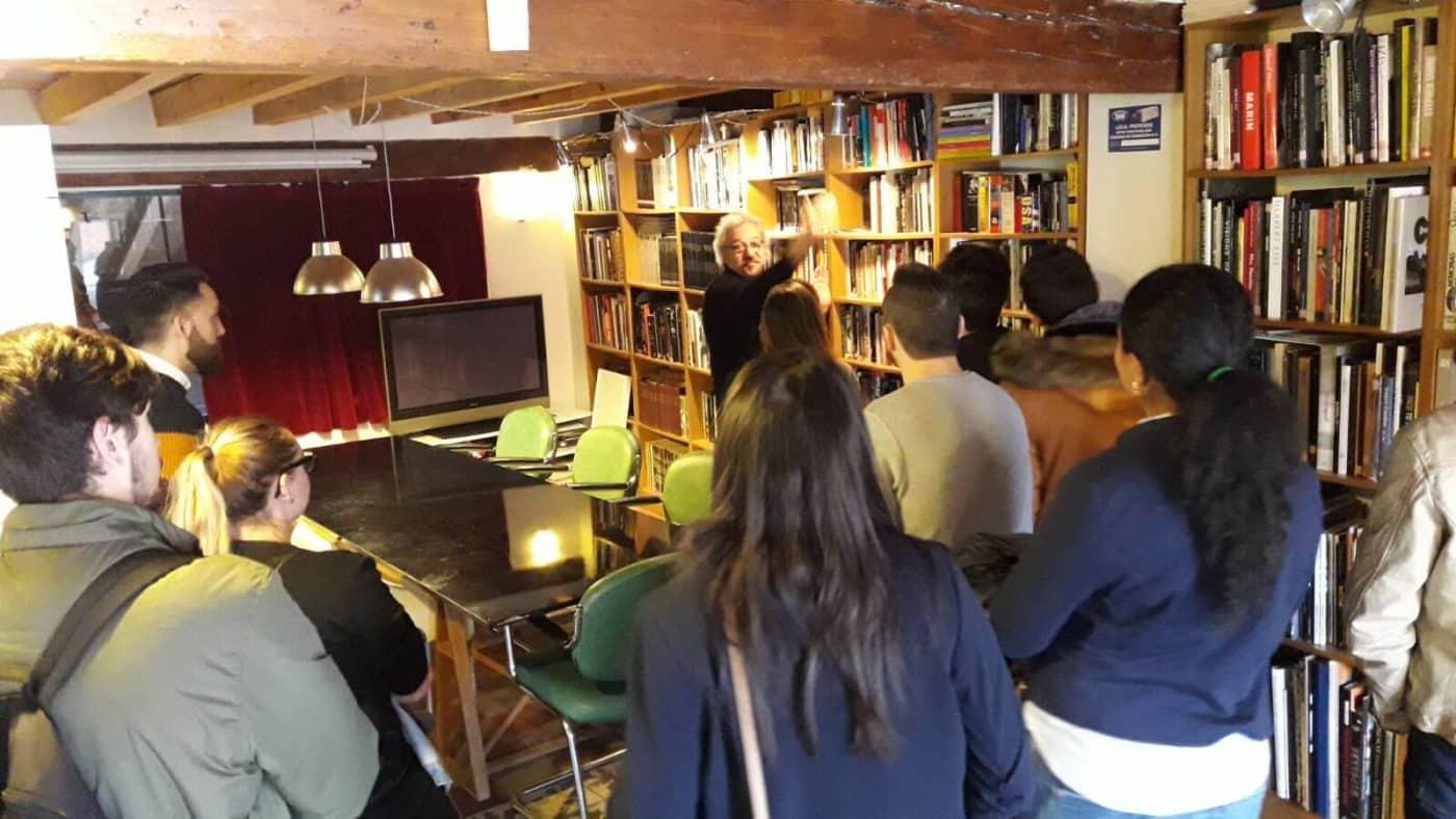 Finaliza el curso de fotografía del Consejo de la Juventud con una visita a la Casa de la Imagen 2