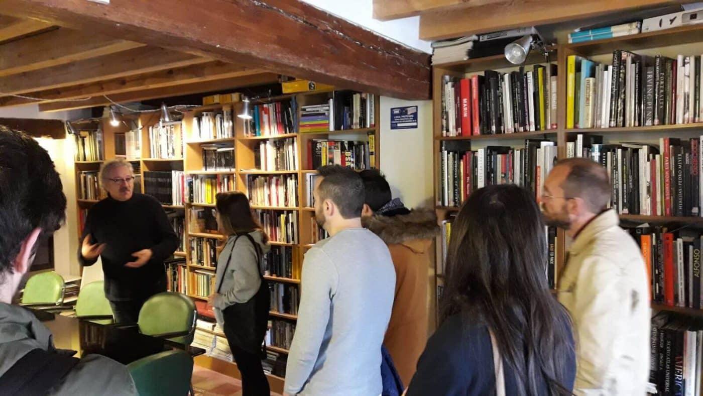 Finaliza el curso de fotografía del Consejo de la Juventud con una visita a la Casa de la Imagen 3