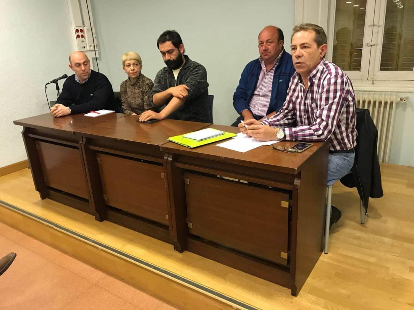 La comisión en contra del proyecto del AVE trasladará su postura a Fomento 3