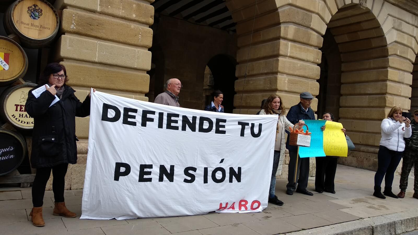 Zanahorias para Montoro, nueva protesta en Haro por unas pensiones dignas 3