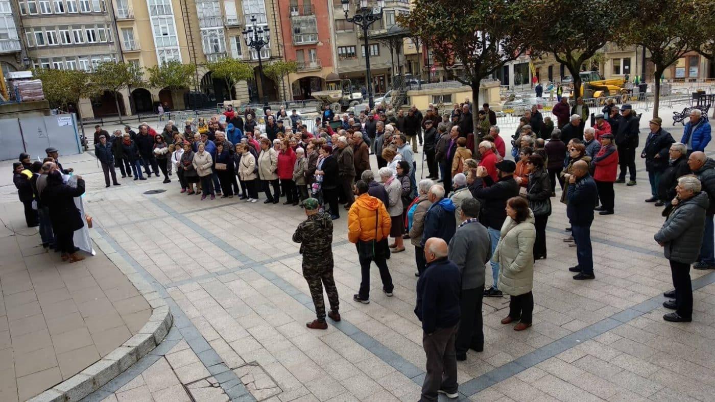 Zanahorias para Montoro, nueva protesta en Haro por unas pensiones dignas 8