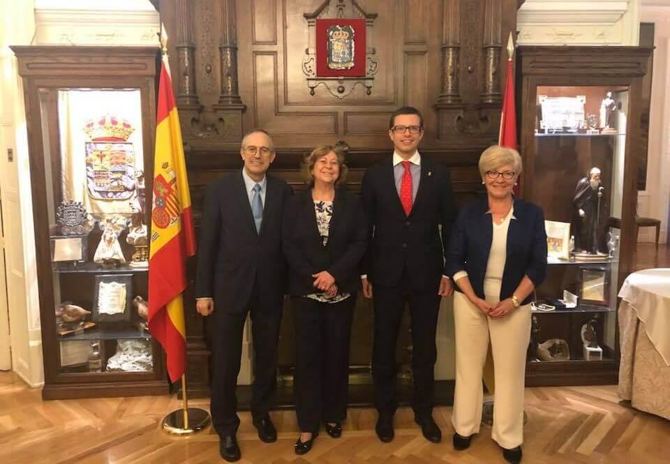 El jarrero José Antonio Rupérez, el presidente más joven del Centro Riojano de Madrid 1