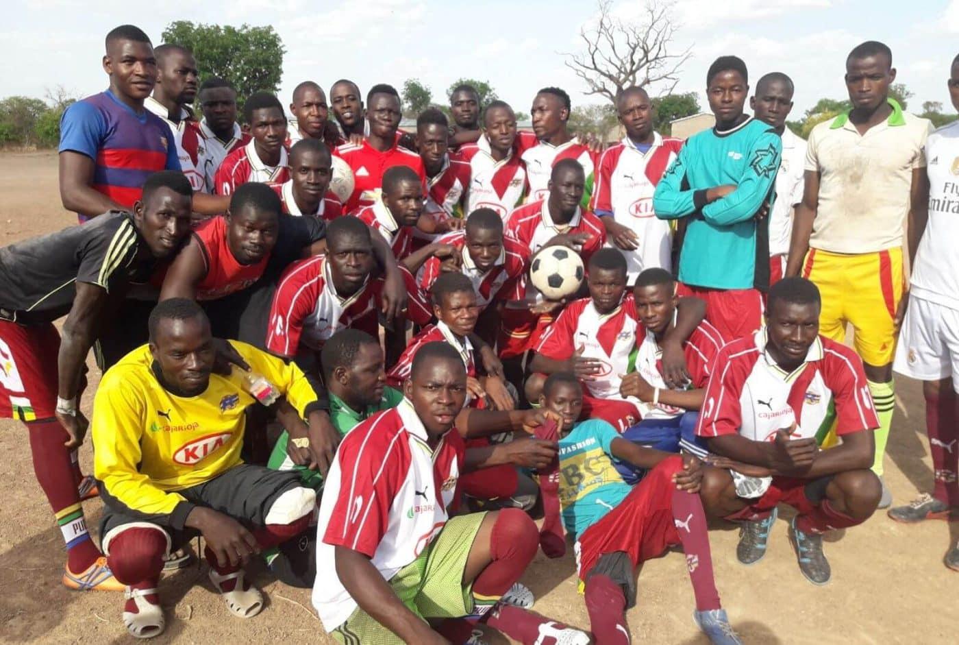 La Escuela Bên Kadi de Burkina Faso recibe el material donado por la Federación Riojana de Fútbol 2
