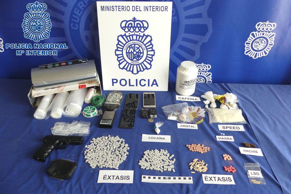 La Policía Nacional desmantela dos puntos de distribución de drogas de diseño en Haro y Cihuri 1