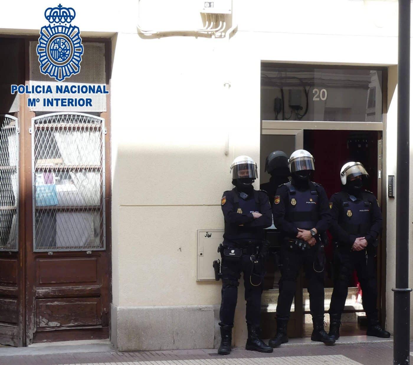 La Policía Nacional desmantela dos puntos de distribución de drogas de diseño en Haro y Cihuri 3