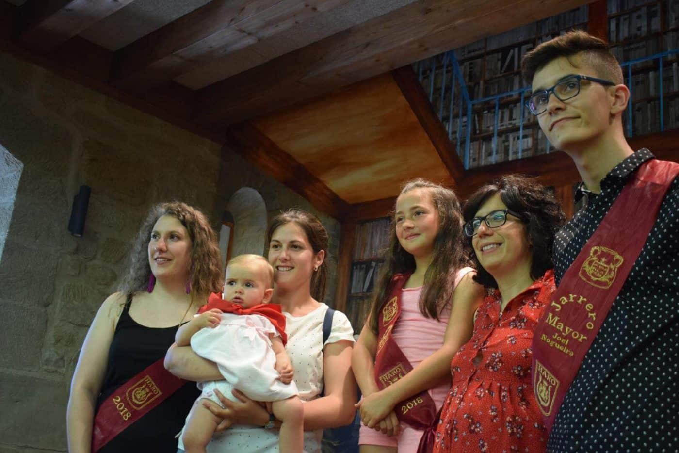 Bautismo festivo para casi 70 niños en Haro 15