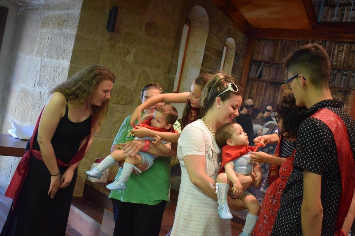 Bautismo festivo para casi 70 niños en Haro 22
