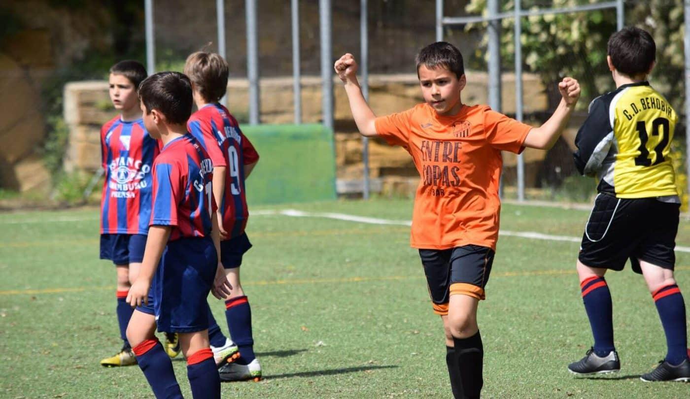 El balón echa a andar en el Torneo Naranja del Jarrero FC 15